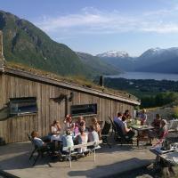 Ein heilt spesiell låve i Røldal