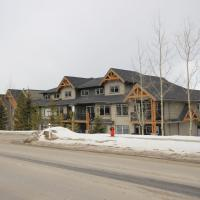 Rocky Mountain Getaway, hotel in Canmore