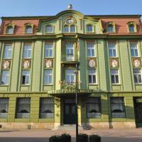 Grand Hotel Praha, hotel in Jičín