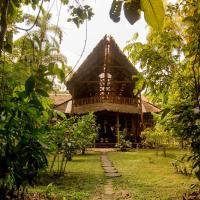 Refugio Amazonas Lodge, hotel in Tambopata