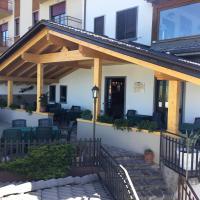 Albergo Canella, hotell i Fuipiano Valle Imagna