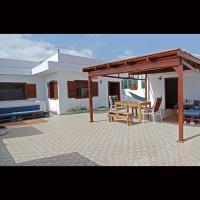 Self-catering Apartment w/ Terrace, hotel in Tarrafal