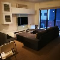 Superb 2 BR East Perth Apartment Location Comfort Space 1, hotel in East Perth, Perth