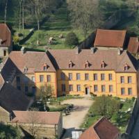 Gîte Château Sainte Colombe, Hotel in Sainte-Colombe-en-Auxois