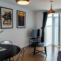 Ur City Pad - The Four Oaks House - 3 Bedrooms - 2 Bathrooms