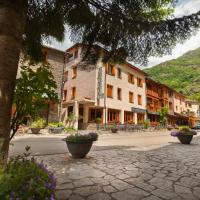 Hotel Llacs De Cardos, hotel in Tavascan
