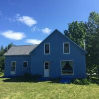 Breton Cove Farmhouse, hotel em Indian Brook