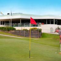 cluBarham Golf Resort, hotel in Barham