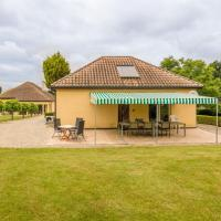 Cozy Holiday Home in Aquitaine with private pool, hotel near Bergerac Airport - EGC, Saint-Nexans