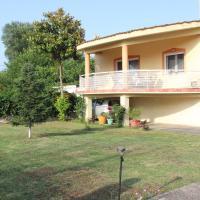 "Maria's Guesthouse, hotel near Kavala International Airport """"Megas Alexandros"" - KVA, Keramotí"