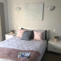 Dampier House Mullaloo-Perth, hotel em Perth