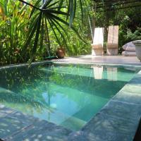 Breathe Villa Meno, hotel in Gili Meno