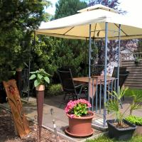 Very spacious and comfortable ground floor apartment in stunning, rustic surroundings, Hotel in Niederehe