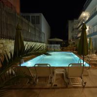 Kiwi Hotel