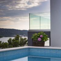 Villa Regina with swimming-pool and sea view