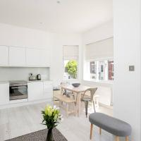 Stunning 2BR Home in West Kensington w/Balcony