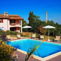 Vintage Villa in Marche with Swimming Pool