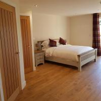 Plumptons Farm Holiday Lodges, hotel in Colchester