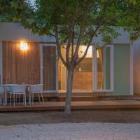 Aurora Camping and Mobile Homes, hotel in Paralia Panteleimonos