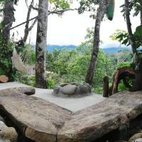Jungle Roots Glamping, hotel em Tena