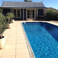 Amazing Views Pet Friendly Bed and Breakfast, hotel em Yass