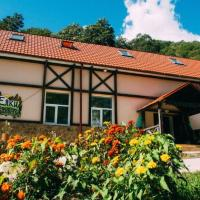 Yolki Art Hostel