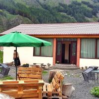 Januka Garden Sno, hotel in Sno