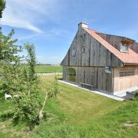 Stunning Holiday Home in Diksmuide with Terrace、ディクスムイデのホテル