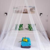 La Perla Holiday Apartments, hotel in Pereybere