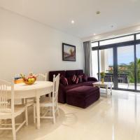 The Ocean Apartment IDCWH B302, hotel in Danang