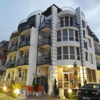 Семеен хотел Денз, отель в Черноморце
