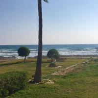 Sandy Beach Villas 21, hotel en Pyla