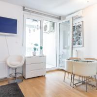 Cozy & Modern Studio with Balcony