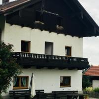 Bauernhaus Dhillon, hotel in Bernau am Chiemsee