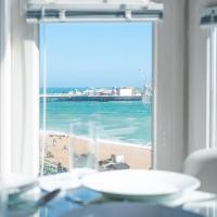 Best sea view in Brighton! Modern & smart space