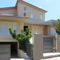 75m2 house with BBQ & parking, hotel in Rafina