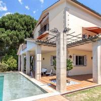 Les Canyes Cottage, Private Villa Resort, hotel en Piera
