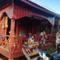 Bee Bee's Chalets, hotel in Banlung