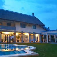 Rasvet, hotel in Sarichioi