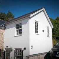 Winter Breaks at Stamps 'Cosy' Cottage with parking