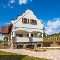 VIVAZA Villa Szigliget, hotel in Szigliget