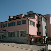 Hotel Arte Casa, hotel in Umag