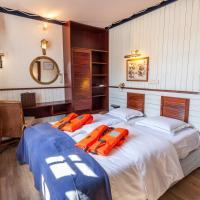 Boat Hotel De Barge