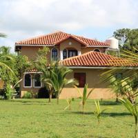 Villa Mar a Lago, hotel en Parrita