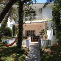 Chalet El Alcor Punta Umbría, hotel in Punta Umbría