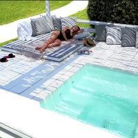 OW Andros Luxury Suites, ξενοδοχείο στο Γαύριο