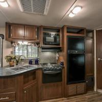 NEW!! Luxury Camper near Grand Canyon, Hotel in Valle