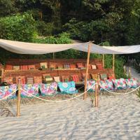 Playa La Caleta, hotel in Morong