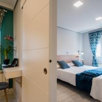 Apartamentos River Santander, hotel in Santander