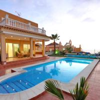 Villa with private pool and magnificent views